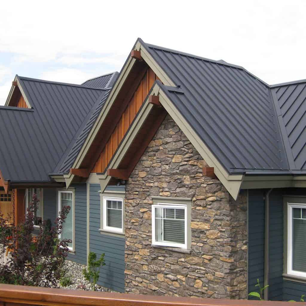 Interlock Standing Seam Roof Deep Charcoal Campbell River BC